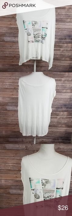 Jessica Simpson White Beachy Active Cap Sleeve Top Item # 797 💜Details:  ❤Made in China ❤100% Rayon ❤Jessica Simpson size 2X ❤Awesome lightly worn condition  ❤No trades ❤Reasonable offers always welcome unless said  💜Measurements (in inches laying flat):  ❤Bust: 27 ❤Shoulders: 19 ❤Length: 25  Please comment any questions 💖 Jessica Simpson Tops