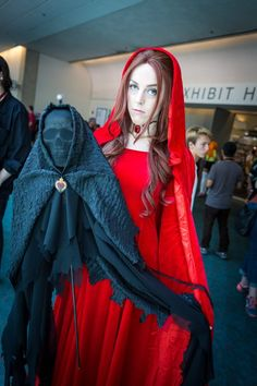 The Red Woman (Game of Thrones) Cosplay - #SDCC San Diego Comic Con 2014