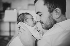 Natural newborn baby photography in the comfort of your own home. Timeless newborn and baby photoshoot in London. Family photography with newborn baby. Foto Newborn, Newborn Shoot, Baby Newborn, Newborn Pictures, Baby Pictures, Daddy Baby Photos, Family Pictures, Hospital Photos, Lifestyle Newborn