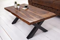 Luxusný stolík do obývačky z masívneho dreva a kovu.