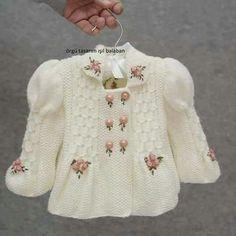 Ideas crochet baby girl layette ravelry for 2019 Baby Knitting Patterns, Knitting For Kids, Crochet For Kids, Knitting Designs, Baby Patterns, Crochet Baby, Knit Crochet, Baby Cardigan, Crochet Cardigan