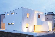 ガルバリウム鋼板を使用した家10選