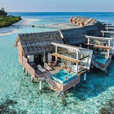 Wonderful resort in Maldives Top 10 Hotels, Hotels And Resorts, Best Hotels, Marriott Hotels, Need A Vacation, Dream Vacations, Vacation Spots, Greece Vacation, Vacation Style
