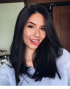 Best Long Straight Black Hairstyle Ideas of 2019 If you want to try black long straight hair, you can look at our picture album. You will marvel at the unique beauty of long straight black hair. Hair Color For Black Hair, Brown Hair Colors, Black Hair Makeup, Natural Black Hair Color, Dark Hair Style, Red Hair, Natural Dark Hair, Beautiful Black Hair, Beautiful Gorgeous
