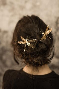 Jewelry for hairstyle. Hairpins for the bride. Pretty Hairstyles, Grecian Hairstyles, Medieval Hairstyles, Medium Hair Cuts, Hair Jewelry, Jewellery, Hair Dos, Her Hair, Hair And Nails
