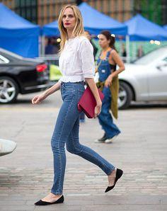 street-style-london-fashion-week-denim-pants-white-blouse-flat