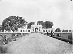 Amsterdam Gate (Amsterdamsche Poort) or Pinang Gate (Pinangpoort) in Batavia ca. 1857-1872. It was demolished and remains nothing.