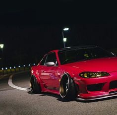 Crazy Demon Camber on this Nissan Silvia