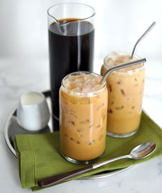 irish-iced-coffee and other whisky cocktails to put you in the St. Whisky Cocktail, Whiskey Drinks, Coffee Drinks, Iced Coffee At Home, Hot Coffee, Coffee Blog, Irish Cafe, Cheers, Kaffee