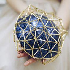 Geometrische Pill Box Hut Fascinator inspiriert von beretkah