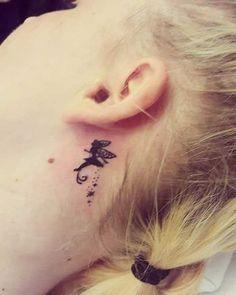 kulak arkası melek dövmesi