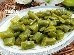 Yağlı Sirkeli Biber (Şipşak Turşu) Pizza Recipes, Cake Recipes, Pickle Pizza Recipe, Turkish Recipes, Celery, Pickles, Asparagus, Green Beans, Appetizers