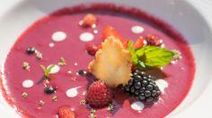 Adam Kozanecki: Coulis z malin i jeżyn Acai Bowl, Pudding, Breakfast, Desserts, Food, Acai Berry Bowl, Morning Coffee, Tailgate Desserts, Deserts