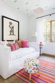 Family Home Tour in One of L.'s Most Beautiful Neighborhoods - Family Home Tour in One of L.'s Most Beautiful Neighborhoods Cute colorful kids room /// Tour a Gorgeous Family Home in the Pacific Palisades Bedroom Furniture, Home Furniture, Bedroom Decor, Bedroom Ideas, Furniture Stores, Luxury Furniture, Cheap Furniture, Furniture Design, Lego Bedroom