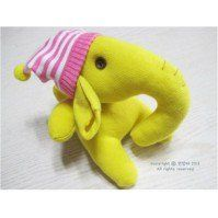 30 cute ideas for sock animal sewing patterns. The sock monkey of course, but lots of other sock animals to sew too. Great hand-sewing fun for kids too.
