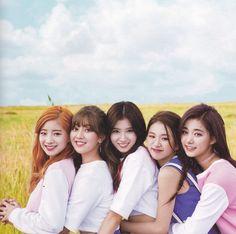 Extended Play, Nayeon, Shy Shy Shy, Tt Twice, Twice Songs, Twice Photoshoot, Korean Best Friends, Evil Girl, Twice Album