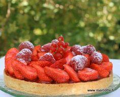 Strawberry tart from Philippe Conticini Tart Recipes, Chef Recipes, Sweet Recipes, Whole Food Recipes, Dessert Recipes, Chefs, Flan Cake, Sweet Cooking, Sweet Tarts
