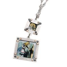 Tutorial - How to: Alice In Wonderland Reversible Necklace | Beadaholique