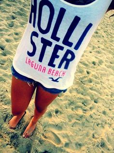 Hollister♥ beach outfit♥ Beautiful reminds me of one of their outfits I have Hollister Outfit, Hollister Clothes, Hollister Shirts, Hollister Style, Hollister Sweatpants, I Love Fashion, Teen Fashion, Outfits, Style