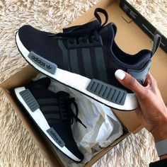 adidas nmd Source by heelstplahndr zapatillas Dream Shoes, Crazy Shoes, Me Too Shoes, Adidas Nmd R1, Moda Sneakers, Shoes Sneakers, Adidas Sneakers, Adidas Nmd Outfit, Addias Shoes