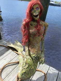 Mermaid for a pirates Halloween Pirate Halloween Decorations, Pirate Halloween Party, Pirate Decor, Outdoor Halloween, Creepy Halloween, Halloween Skeletons, Halloween 2018, Holidays Halloween, Classy Halloween