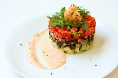 Vegetables tartare with shrimp sauce Easy Food To Make, Light Recipes, Salmon Burgers, Shrimp, Sandwiches, Baking, Vegetables, Healthy, Ethnic Recipes
