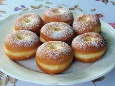 Sütöttem én már farsangi fánkot, de ilyen szépre még soha sem sikerült. Valahogy mindig olyan kis négerbarna és szalagtalan lett, d... Hungarian Desserts, Hungarian Recipes, Hungarian Food, Beignets, Bread Recipes, Cooking Recipes, Bread Rolls, Churros, Doughnuts