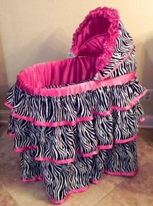 Bassinet for your wild child baby girl- zebra print with pink trim My Baby Girl, Our Baby, Baby Love, Bassinet Cover, Baby Bassinet, Cute Babies, Baby Kids, Baby Baby, Girly