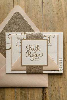 一生に一度の結婚式だから招待状にもこだわりたい!手作り派は招待状もオリジナルで作りたいですよね。招待状に使えるおしゃれなペーパーアイテムのアイデアをまとめてみました。オリジナルの招待状のヒントになりますよ♡