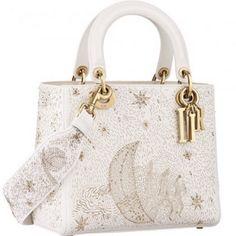 Dior Bags Stylish Clothes – Purses And Handbags For Teens Chloe Handbags, Dior Handbags, Purses And Handbags, Dior Bags, Sac Lady Dior, Dior Purses, Cristian Dior, Sacs Design, Bags For Teens