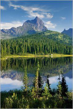 Озеро Светлое. Вид на пик Птица. Krasnoyarsk Krai  Yermakovsky District
