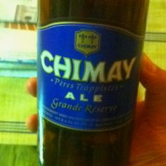 Ah the Chimay... A classic for the trappist monk style beer-lovers... Heavy in taste, look (dark amber), ad alcohol (9%), it's Autumn in your glass...