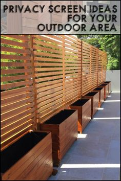 01 DIY Backyard Privacy Fence Design ideas on a budget – Insidexterior - Modern Cheap Privacy Fence, Privacy Fence Designs, Garden Privacy, Privacy Planter, Privacy Screen Outdoor, Privacy Trellis, Privacy Screen Plants, Bamboo Planter, Privacy Walls