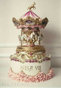 Your Daily Dosage of Cakes Carousel Cake by Kek Couture …See the cake… Gorgeous Cakes, Pretty Cakes, Cute Cakes, Amazing Cakes, Crazy Cakes, Fancy Cakes, Pink Cakes, Unique Cakes, Creative Cakes