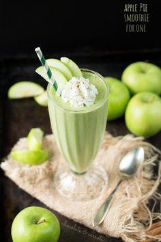 Apple Pie Smoothie for one | chocolateandcarrots.com