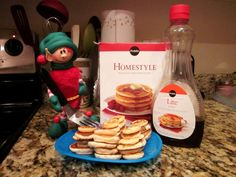 Elf sized pancakes - too cute!!