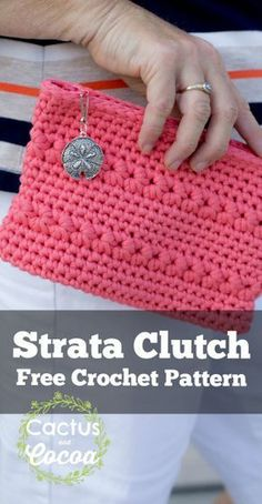 Strata Clutch free crochet pattern made from @redheartyarns Strata bulky yarn. I love this yarn!