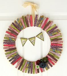 Ribbons & Glue: Master Crafter Challenge...Clothes Pin Wreath http://www.ribbonsandglue.com/2012/10/master-crafter-challengeclothes-pin.html#