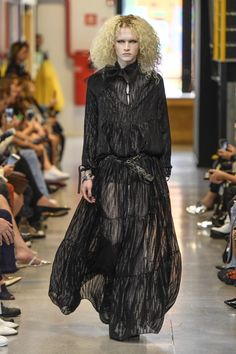 Coleção // Samuel Cirnansck, SPFW, N44 // Foto 40 // Desfiles // FFW Samuel Cirnansck, Marcel, Fur Coat, Baby, Fashion, Beauty, Photos, Moda, Fashion Styles