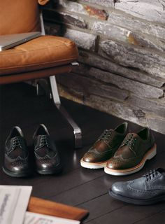 Hogan Route Collection - Classic styles are handcrafted and reinterpreted for the modern man, who needs shoes that looks as good as they feel. #casualbusiness
