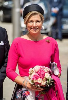 Queen Maxima (pictured), of the Netherlands was pretty in pink as she stepped out in a fuchsia blouse teamed with a floral skirt on day one of her three-day visit to Germany Fuchsia Outfit, Dutch Royalty, She Is Gorgeous, Royal Fashion, Style Fashion, Queen Maxima, Colorful Fashion, Pretty Outfits, Pretty In Pink