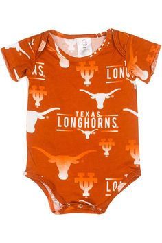 Get their fandom going early! With this adorable Burnt Orange infant onesie with all over Texas Longhorn designs, they'll be a superfan in no time! Buy now!