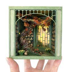 Magical Library, Matchbox Crafts, Vitrine Miniature, Fairy Doors, Book Nooks, Miniture Things, Book Crafts, Box Art, Dollhouse Miniatures