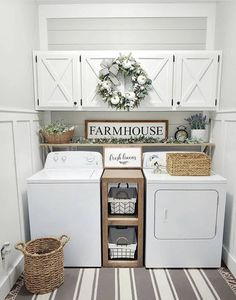 Small laundry Farmhouse style and decor #smalllaundry #laundrydecor #farmhouselaundry
