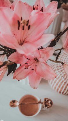 Iphone Background Wallpaper, Locked Wallpaper, Aesthetic Iphone Wallpaper, Aesthetic Wallpapers, Wallpaper Nature Flowers, Rose Flower Wallpaper, Luxury Flowers, Flower Aesthetic, Flower Landscape
