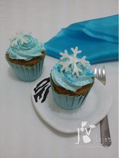 Peça um orçamento para o seu cupcake personalizado através do site www.lejonconfeitaria.com.br