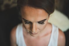 Belfast Wedding Photographer purephotoni Ramada Plaza Bride getting ready