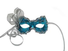 So you want to throw a Masquerade ball? Whether you're hosting a fancy ball or a mysterious gathering, the most important thing you need to plan is the theme. Here are ten theme ideas pair with masks!