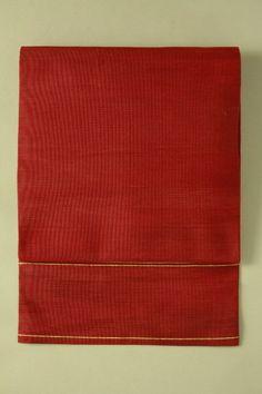 Red nagoya obi (hassun) / 赤地 僅かなグラデーションの綴れ地 八寸名古屋帯   #Kimono #Japan http://global.rakuten.com/en/store/aiyama/