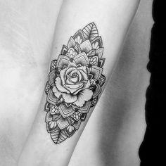did this today @tattooanansi #mandalarose #mandalatattoo #dotwork #dotworktattoo #linework #lineworktattoo